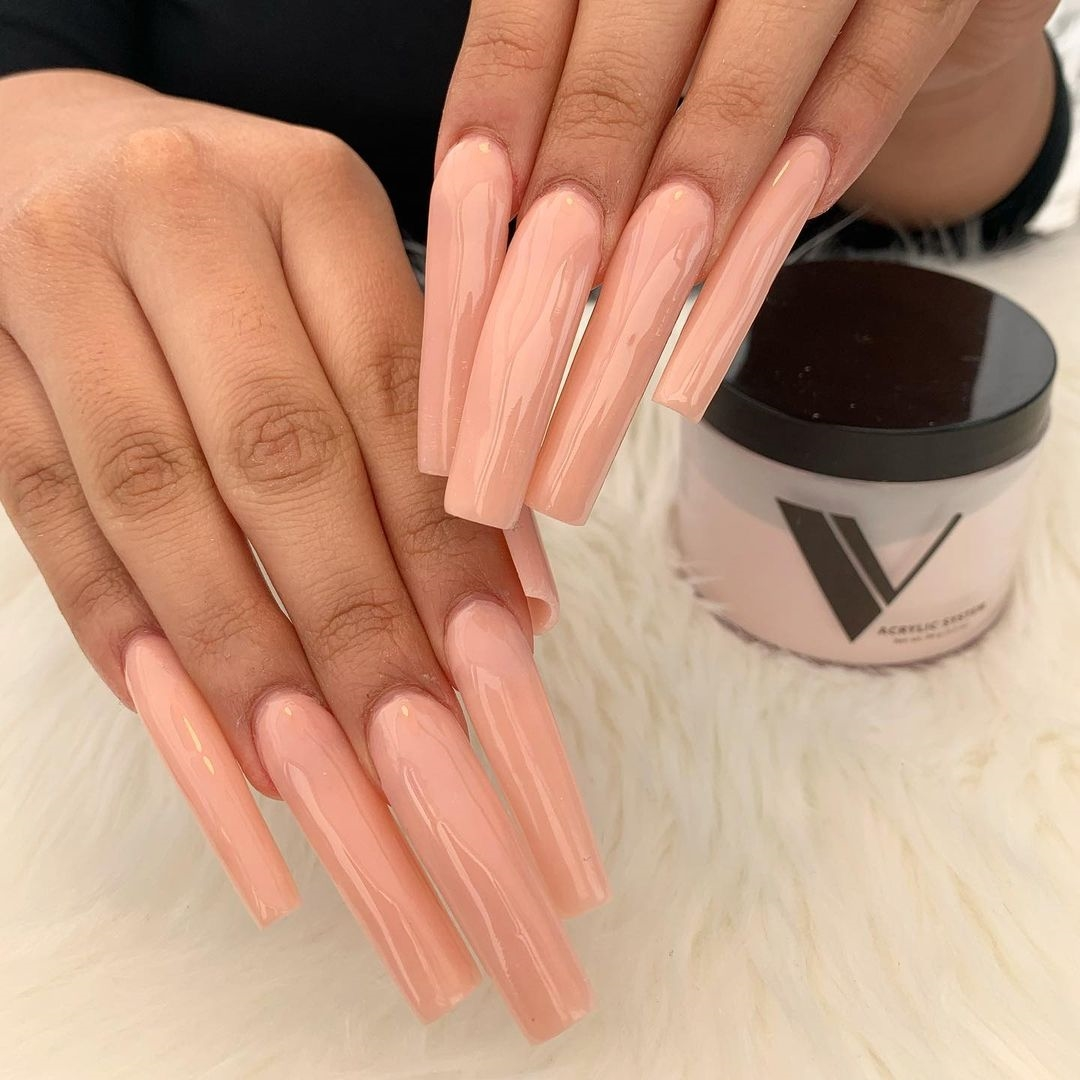 Bộ nails làm đẹp mê ly